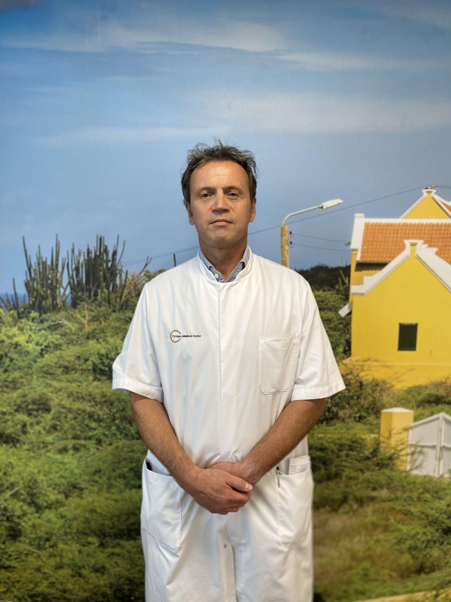 Dr. Stephanus Bakker